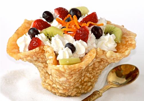 Trifle in cestino croccante