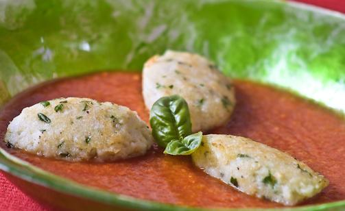 Quenelle di merluzzo in gazpacho