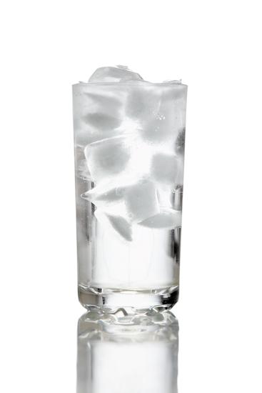 Acqua minerale. Prosit!  (la ricetta non c'è, fa troppo caldo e tutto ciò che desidero è un bicchiere di acqua ghiacciata)