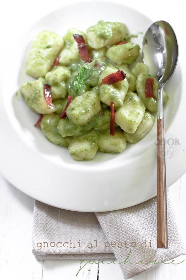 Gnocchi al pesto di zucchine (ma col trucco!)